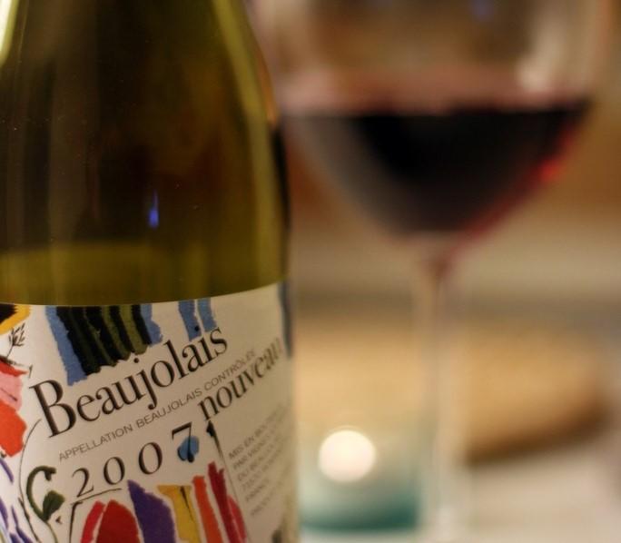 dining_alone_in_style_tonight_le_beaujolais_nouveau_est_arriv-684x1024